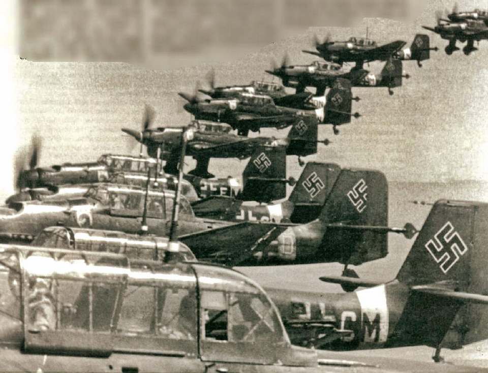 """德国空军 """"Luftwaffe"""" Ju-87 俯冲轰炸机群"""
