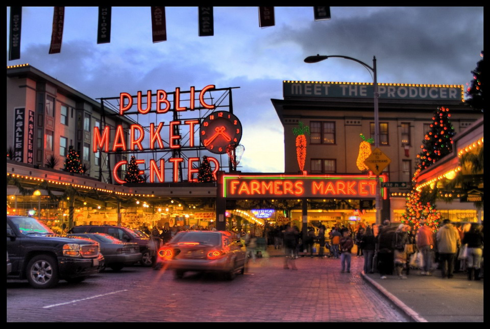 Farmer's Pike Place Market - Andrew E. Larsen (CC BY-ND 2.0)